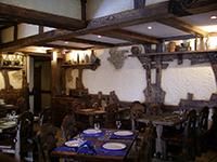 Мебель для ресторанов из массива дерева